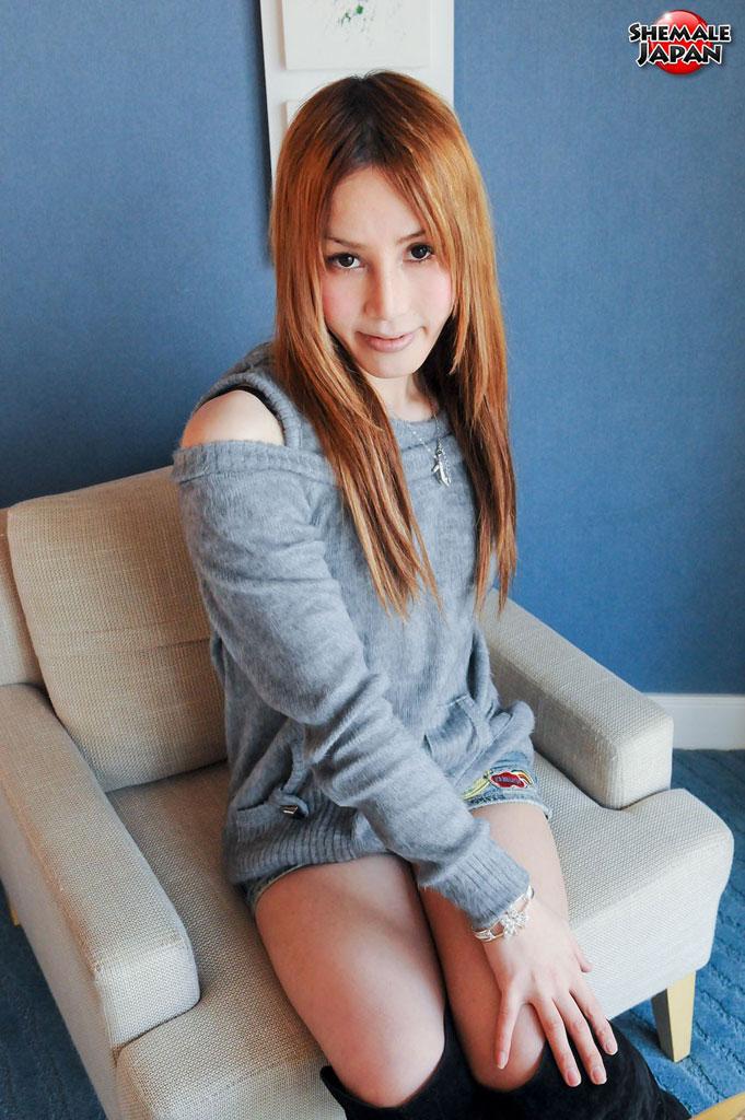 【ニューハーフ画像】なんかずっと見ていられる癒し系美人ニューハーフのエロ画像集。癒し系でもペニクリはスゴいすね! 14